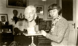 The sculptress Hedwig Wittekind in her studio (no date). © Collection Petra Bonavita
