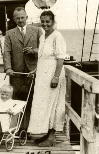 Dr. Fritz und Margarete Kahl mit Sohn Gerhard 1934 © Dr. Eugen Kahl