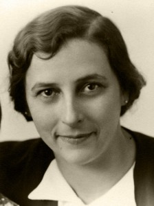 Hildegard Graebner (photo 1940's). © Marie-Louise Buchczik